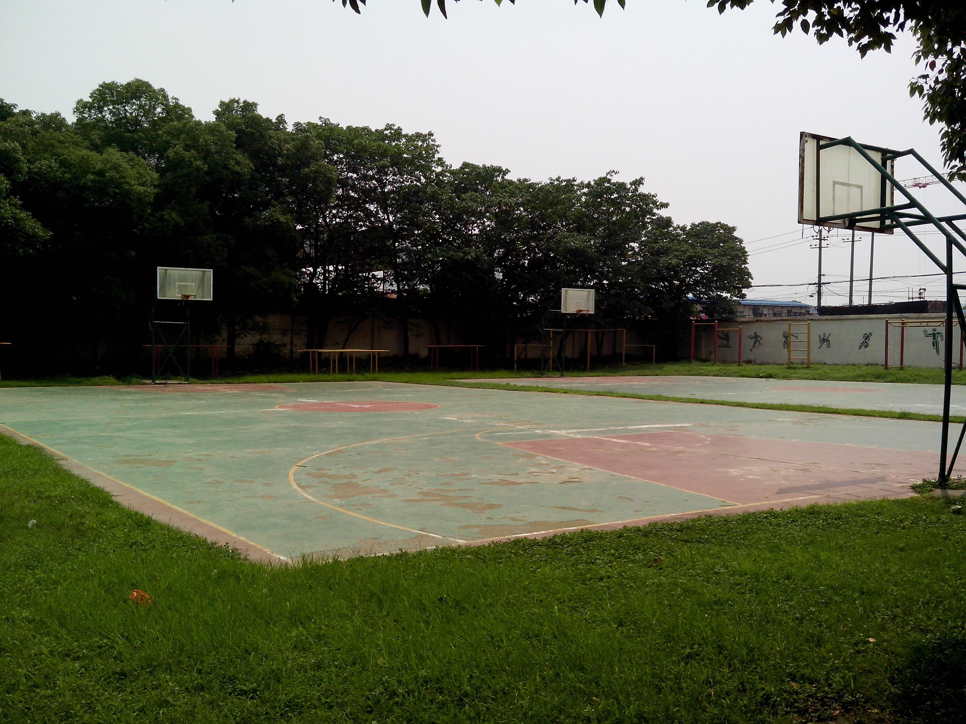 学校篮球场